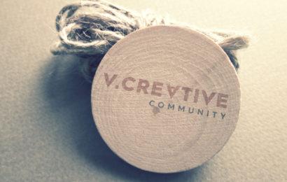 Chia sẻ file psd mockup v.crevtive community khá ấn tượng